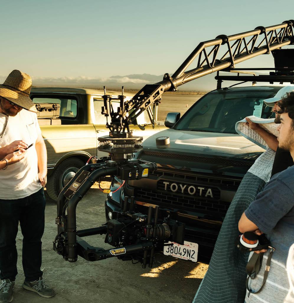 car-camera-crane-capabilities3-min